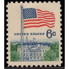 1968 -1971. Почтовая марка США. Флаг над Белым домом. 6 центов
