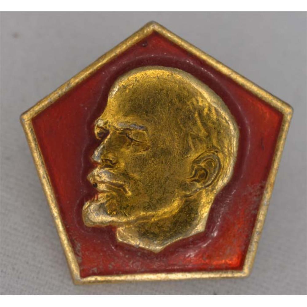 Нагрудный знак В.И. Ленин Ромб смотрит вправо
