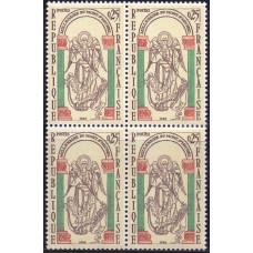 1966, май. Набор почтовых марок Франции (сцепка). 100 лет Мон-Сен-Мишель