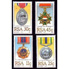 1984 Ноябрь Южно-Африканская Республика (ЮАР) Военные Ордена