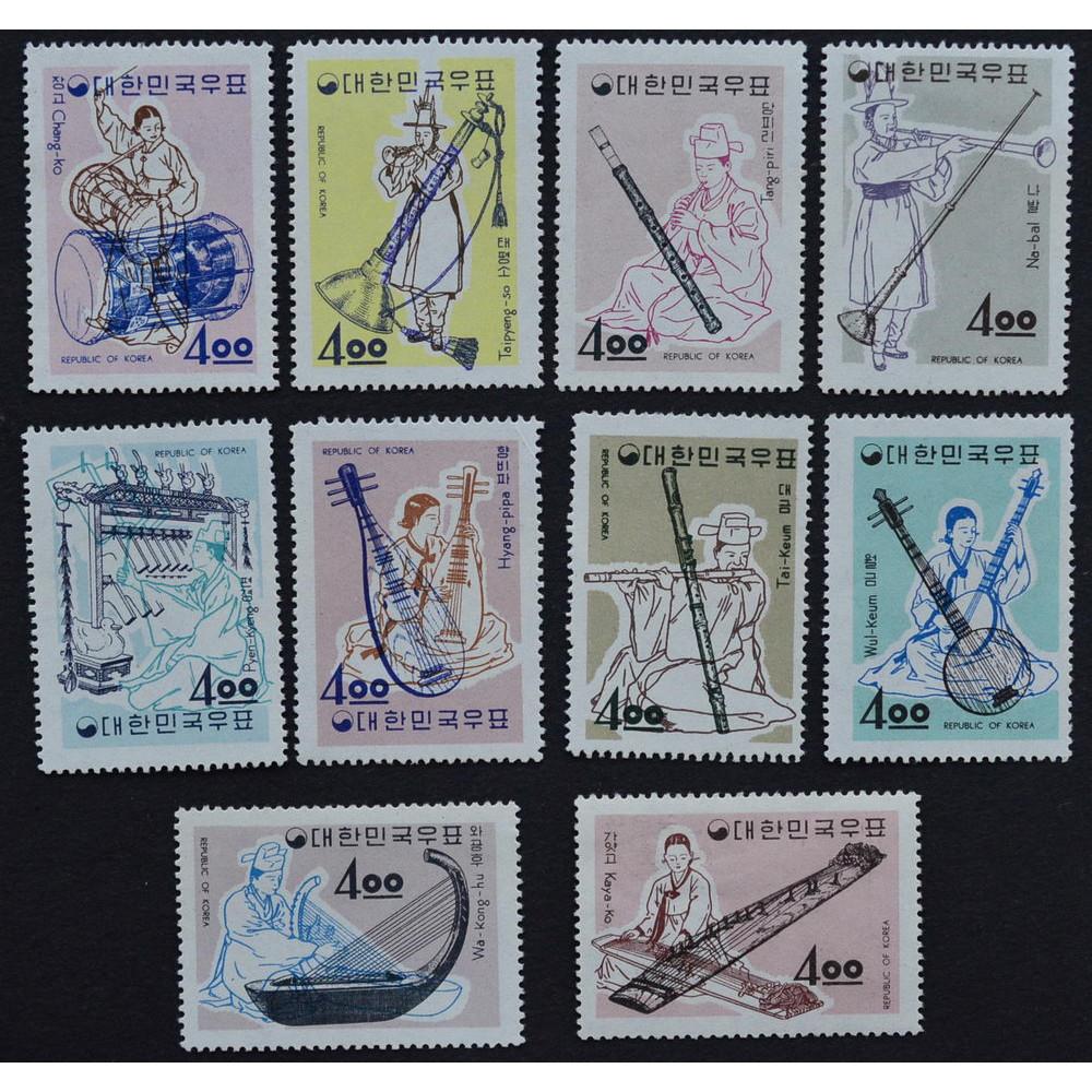 1963, декабрь. Набор почтовых марок Южной Кореи. Музыкальные инструменты