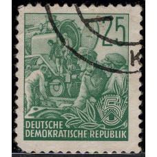 1957, январь. Почтовая марка Германии (ГДР). Пятилетний план. 25 пфенинг