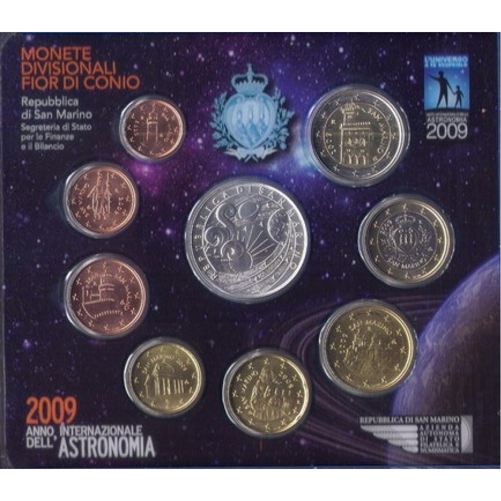 САН-МАРИНО. Международный год астрономии. Набор евро-монет 2009 г в буклете. + серебряные 5 евро
