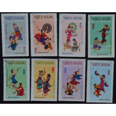 1972, декабрь. Набор почтовых марок Вьетнама. Народные танцы