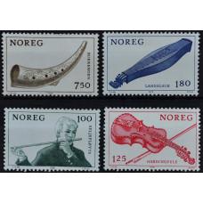 1978, октябрь. Набор почтовых марок Норвегии. Музыкальные инструменты