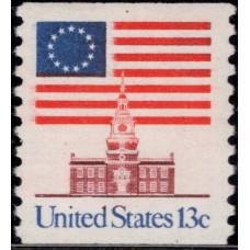 1975, ноябрь. Почтовая марка США. Флаг, 13 центов