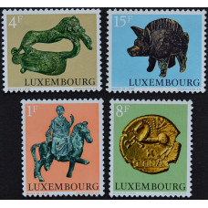 1973, март. Набор почтовых марок Люксембурга. Археологические объекты